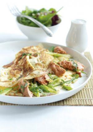 Omelette di Salmone Selvaggio d'Alaska, Cipollotti e Dragoncello