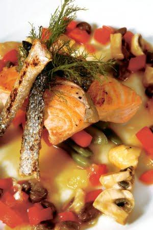 Salmone dell'Alaska ai Finocchi con Tartare di Verdurine Tenere