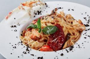 Spaghetti al black cod e granchio dell'Alaska