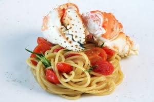 Spaghettoni al granchio reale e rosmarino